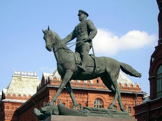 Памятник георгия жукова
